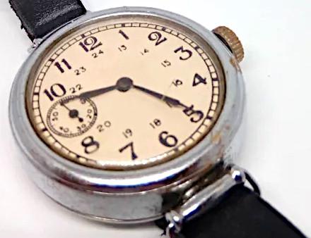 """Мужские наручные часы """"Кировские"""" выпуска 1943 года."""